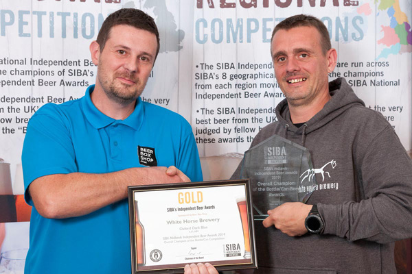 Gold Award presented to White Horse Brewery